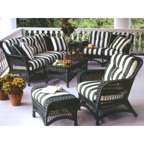 WhiteCraft by Woodard Sommerwind 6 Piece Wicker Conversation Set