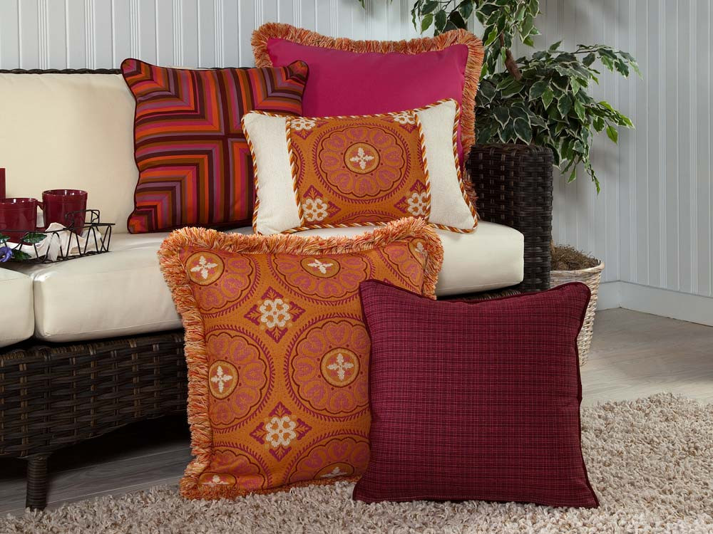 South Sea Rattan All Weather Sunset 5 Piece Throw Pillow Set - South Sea Rattan Throw Pillows ...