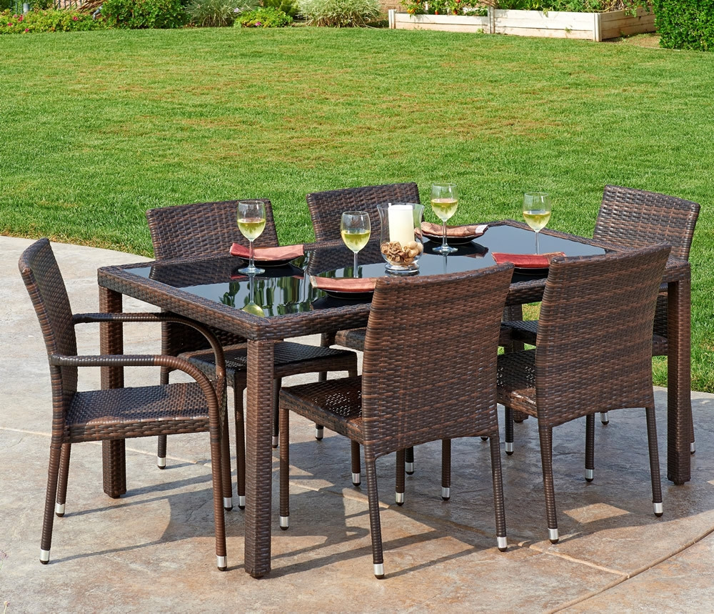 Thy hom toria 7 piece wicker dining set modern wicker for Hom furniture inc