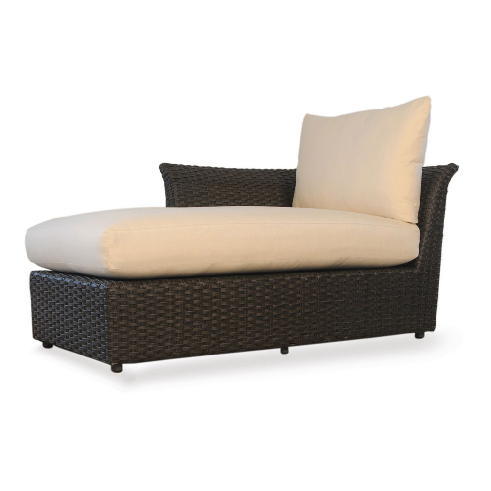 Lloyd flanders flair right arm sectional chaise for Armed chaise lounge
