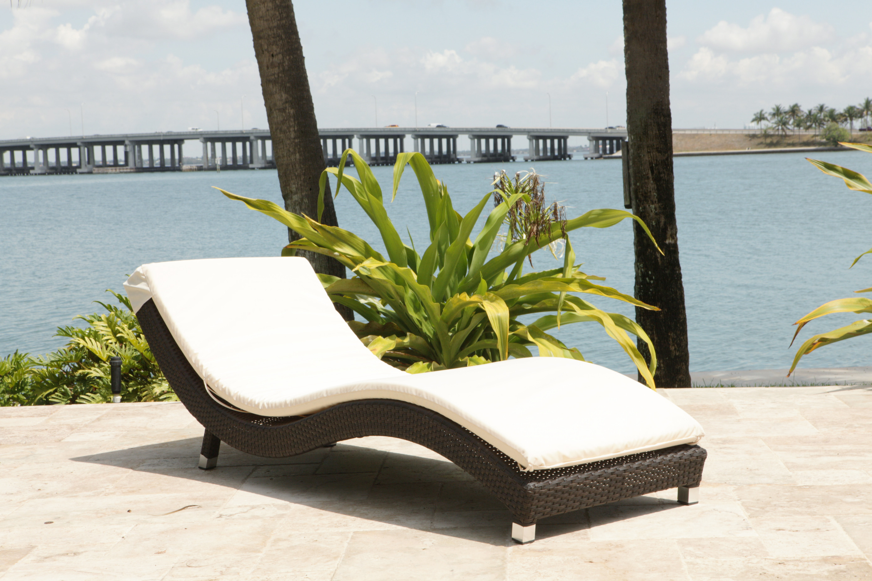 Perfect Source Outdoor Wave 2 Piece Wicker Chaise Lounge Set