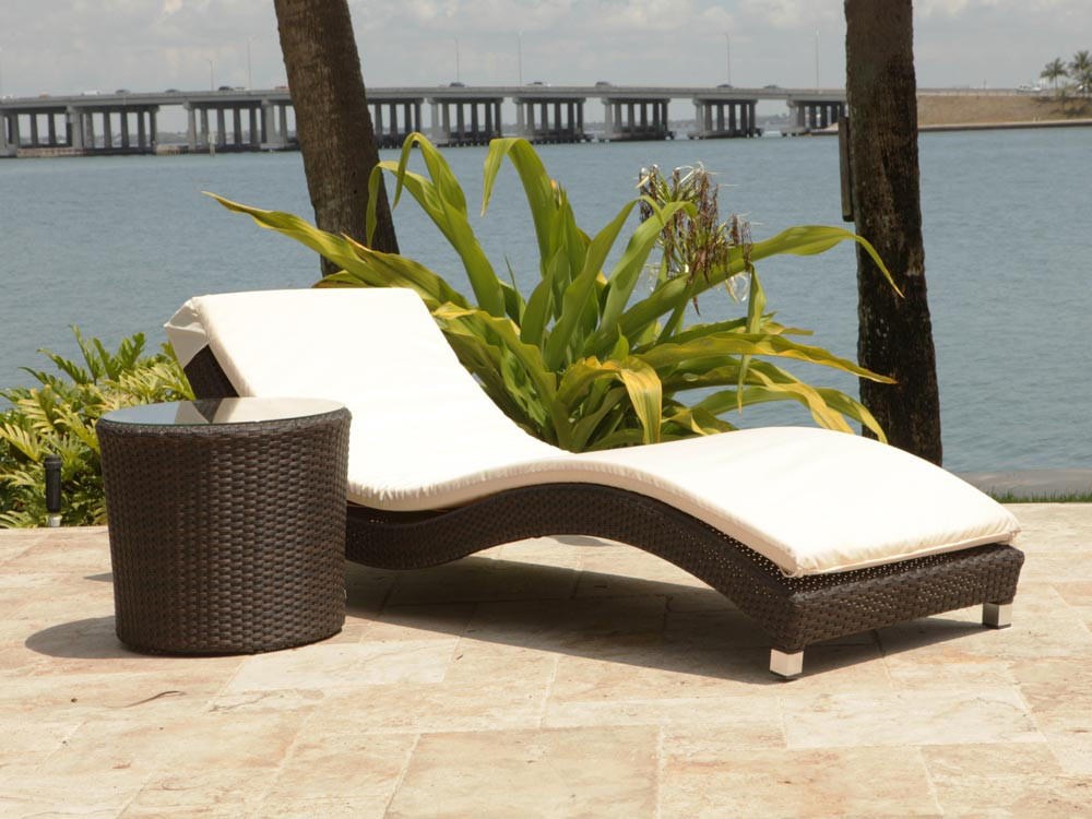 source outdoor wave 2 piece wicker chaise lounge set. Black Bedroom Furniture Sets. Home Design Ideas
