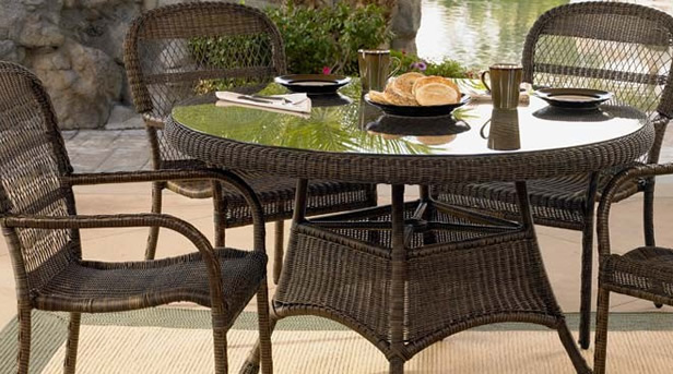 4 Person Wicker Dining Set